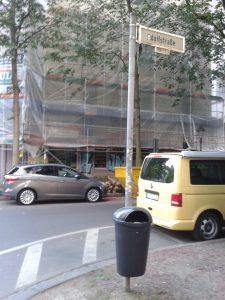 Abfallbehälter an der Adolfstraße